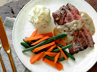 FITeats Steak with Peppercorn Sauce